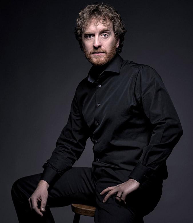 Joshua Ellicot - Tenor